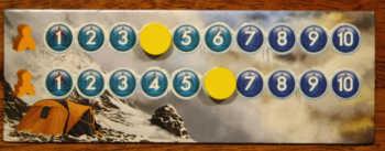 Die Sauerstofftabelle ist das A und O im Spiel. Hier können die Spieler den Zustand ihrer Bergsteiger ablesen.